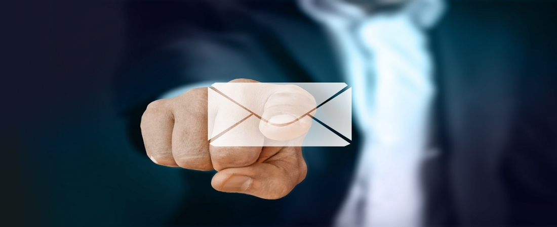Email Services Apex Class in Salesforce: Contact Handling and Extraction